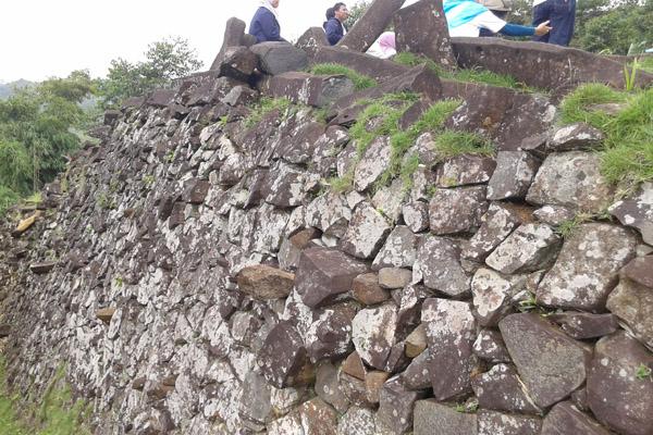 Dinding teras-2