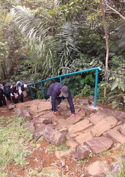 Gak Kuat Nanjak 700 anak tangga