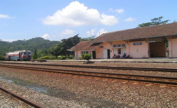 stasiun kretek