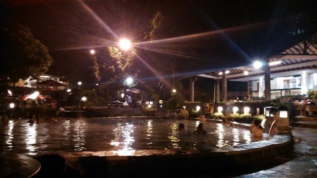 berendam malam-malam di Gracia